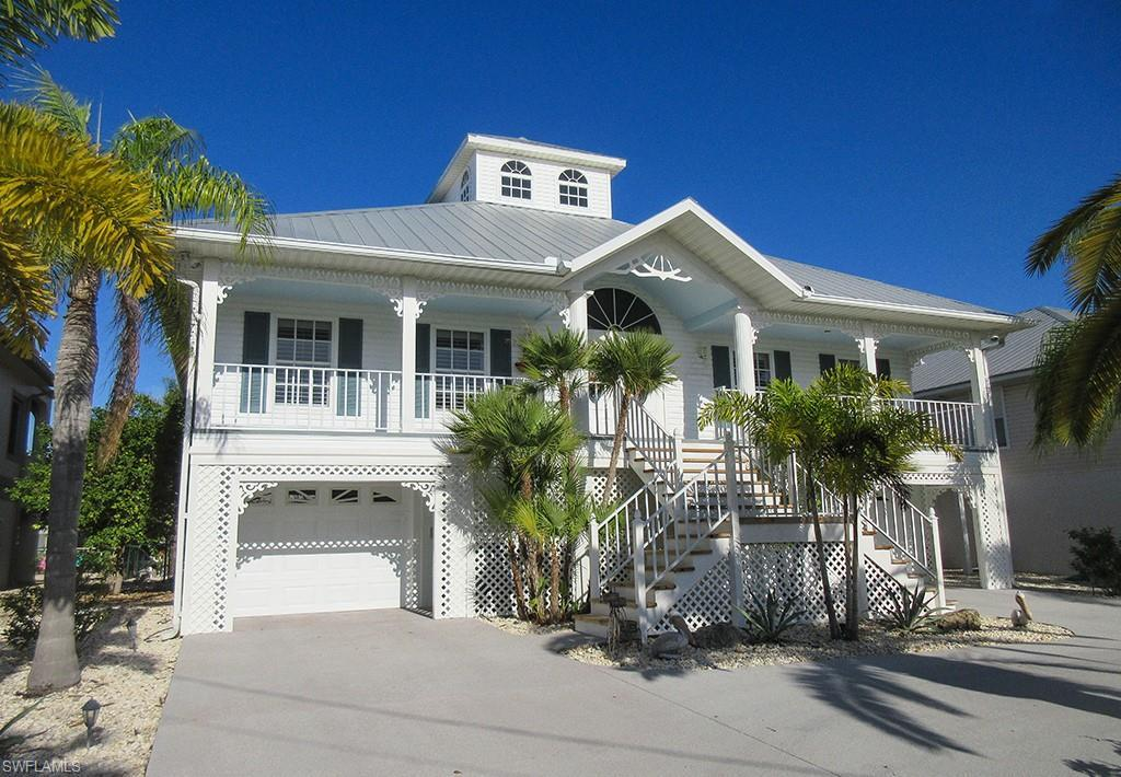 SW Florida Real Estate - View SW FL MLS #220031999 at 203 Egret St in MARTIN & LEWIS UNREC in FORT MYERS BEACH, FL - 33931