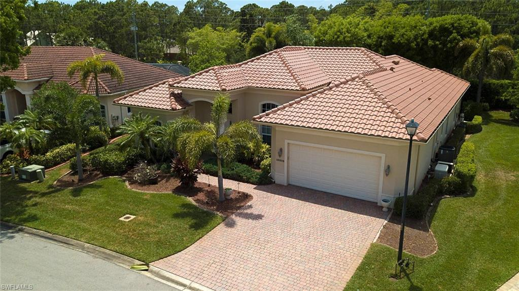 SW Florida Home for Sale - View SW FL MLS Listing #220031758 at 10205 Avonleigh Dr in BONITA SPRINGS, FL - 34135