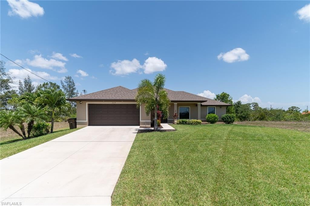 SW Florida Home for Sale - View SW FL MLS Listing #220033276 at 1019 Nw 20th Pl in CAPE CORAL, FL - 33993