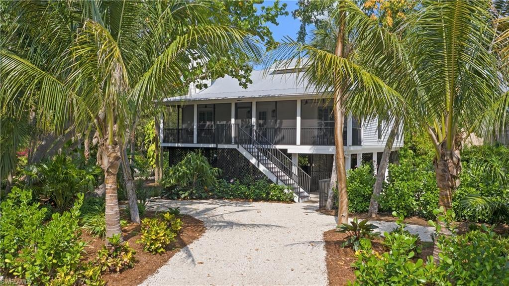 SW Florida Home for Sale - View SW FL MLS Listing #220032877 at 15155 Wiles Dr in CAPTIVA, FL - 33924