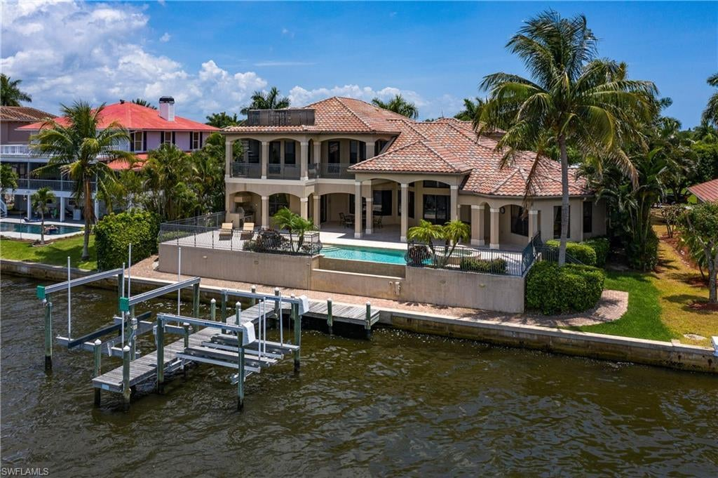 SW Florida Home for Sale - View SW FL MLS Listing #220032175 at 12742 Dennis Dr in FORT MYERS, FL - 33908