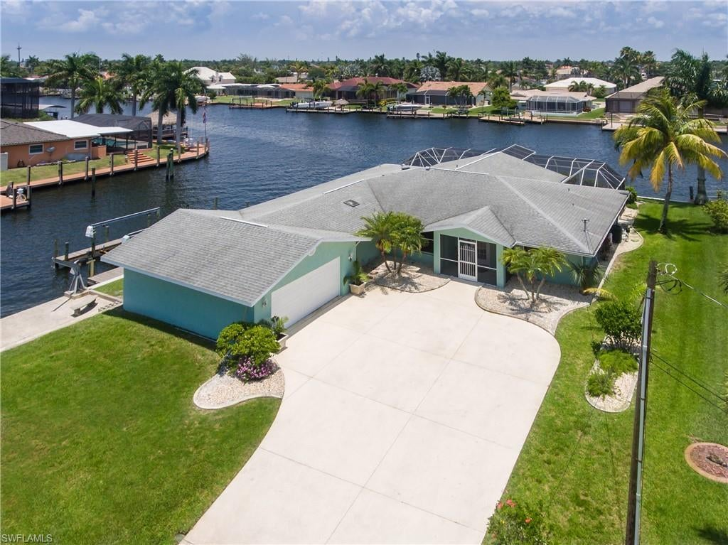 CAPE CORAL Real Estate - View SW FL MLS #220033971 at 111 Sw 57th St in CAPE CORAL at CAPE CORAL