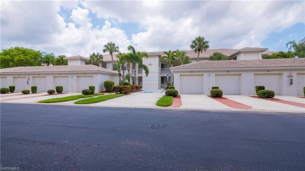 SW Florida Home for Sale - View SW FL MLS Listing #220033801 at 14611 Sherbrook Pl 204 in FORT MYERS, FL - 33912