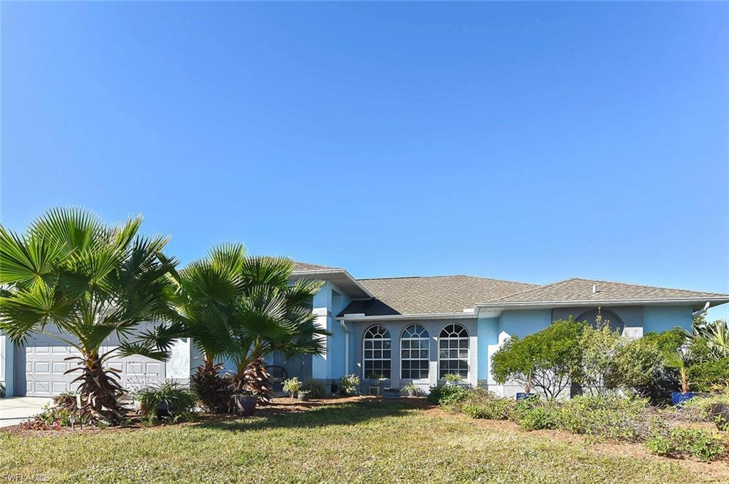 SW Florida Home for Sale - View SW FL MLS Listing #220034234 at 2724 Sw 18th Pl in CAPE CORAL, FL - 33914
