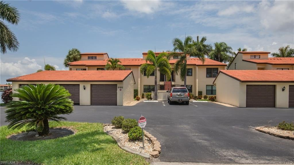 SW Florida Home for Sale - View SW FL MLS Listing #220034288 at 5103 Sunnybrook Ct 4 in CAPE CORAL, FL - 33904