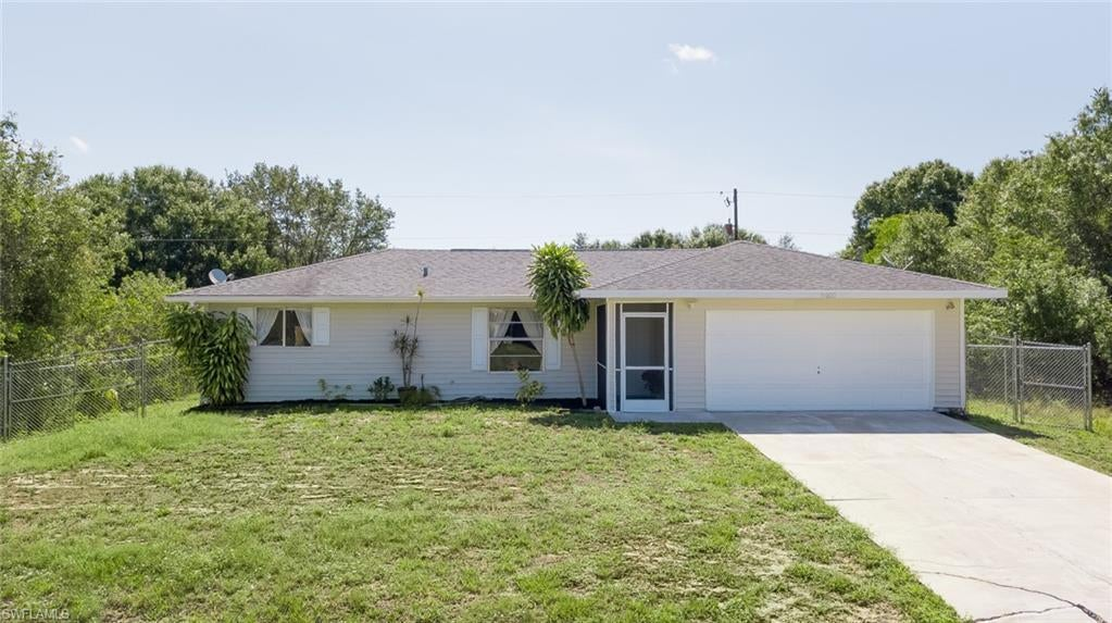 SW Florida Home for Sale - View SW FL MLS Listing #220034561 at 6010 Latimer Ave in FORT MYERS, FL - 33905