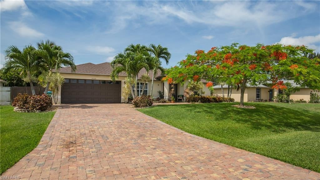 SW Florida Home for Sale - View SW FL MLS Listing #220035029 at 2020 Sw 36th Ter in CAPE CORAL, FL - 33914