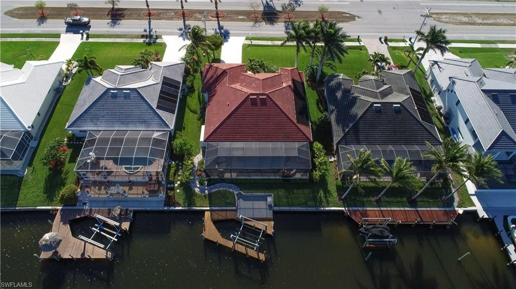 CAPE CORAL Real Estate - View SW FL MLS #220036302 at 3724 Surfside Blvd in CAPE CORAL at CAPE CORAL