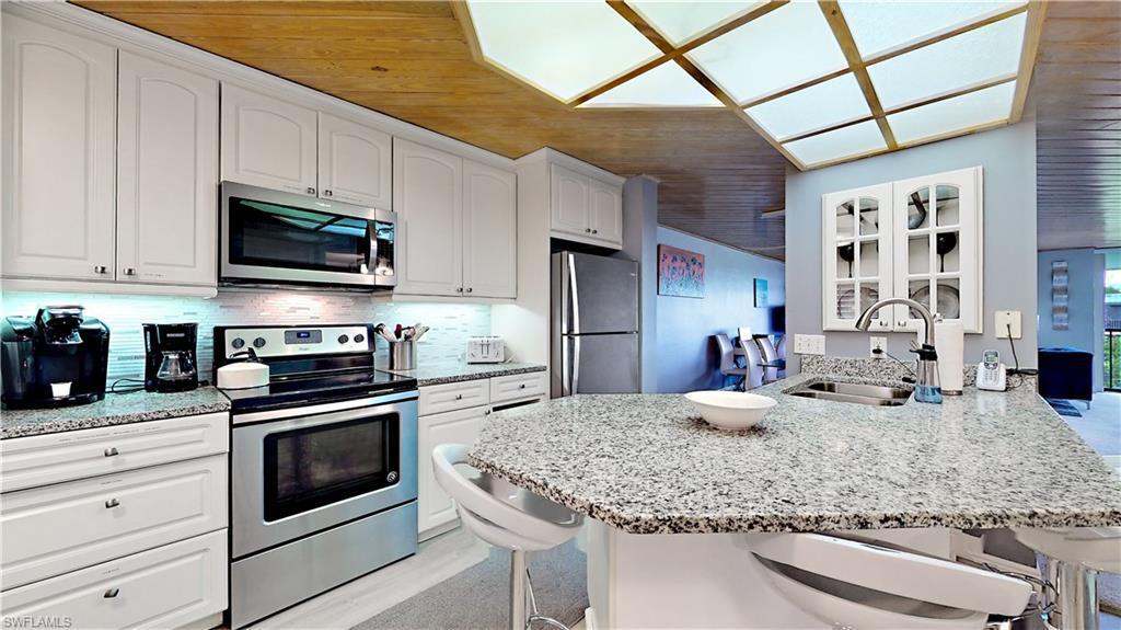 LOGGERHEAD CAY CONDO Real Estate - View SW FL MLS #220036366 at 979 E Gulf Dr 274 in LOGGERHEAD CAY CONDO in SANIBEL, FL - 33957