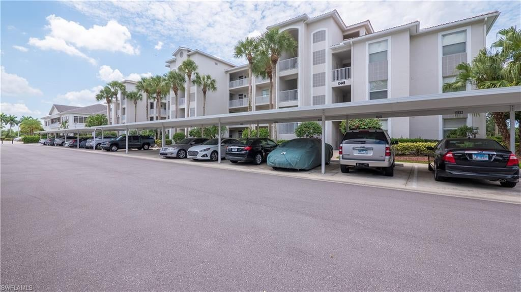 SW Florida Home for Sale - View SW FL MLS Listing #220036871 at 10449 Washingtonia Palm Way 3225 in FORT MYERS, FL - 33966