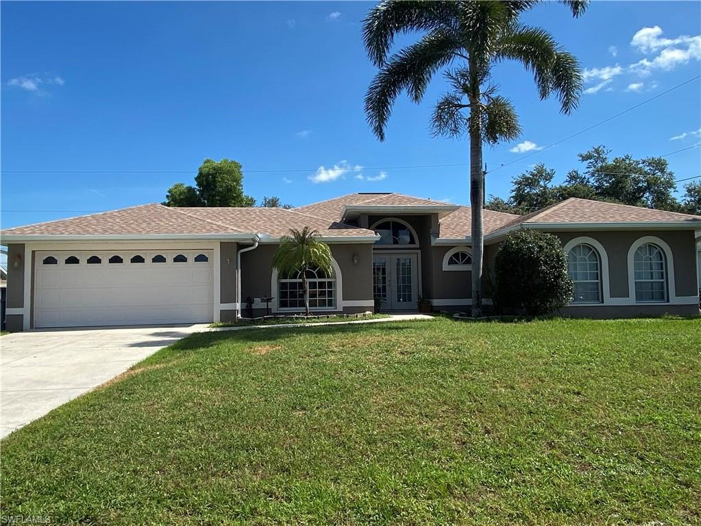 SW Florida Real Estate - View SW FL MLS #220037904 at 8293 Bahamas Rd in SAN CARLOS PARK in FORT MYERS, FL - 33967