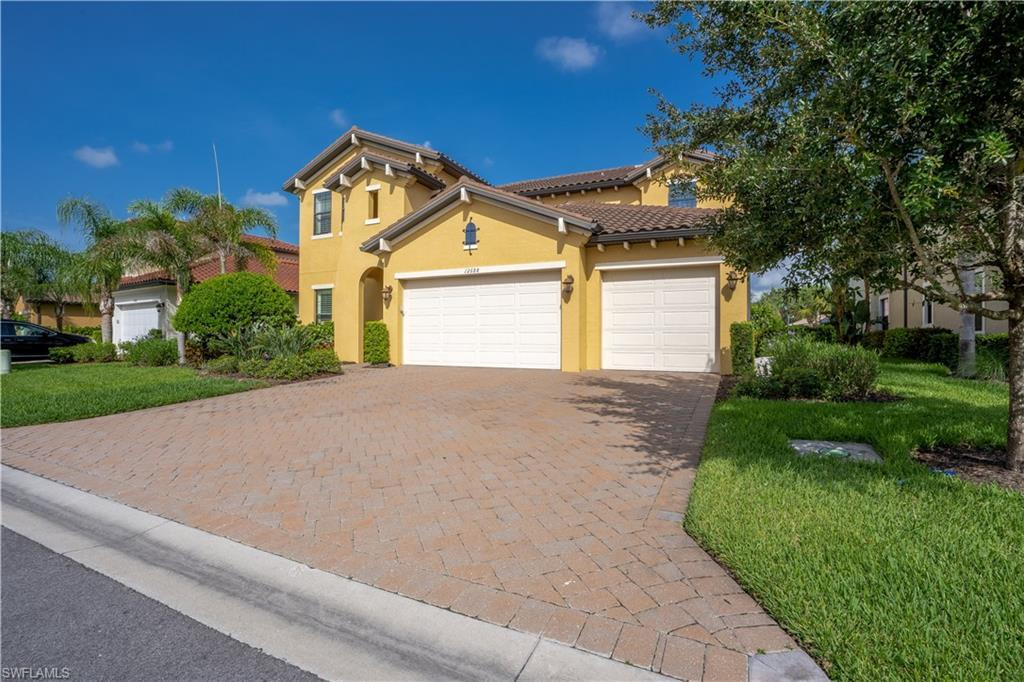 FORT MYERS Real Estate - View SW FL MLS #220038873 at 12688 Astor Pl in HAMPTON PARK at GATEWAY