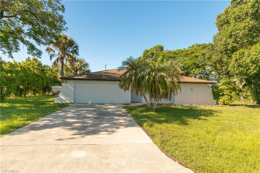 SW Florida Home for Sale - View SW FL MLS Listing #220039690 at 1302 Sw 10th St in CAPE CORAL, FL - 33991