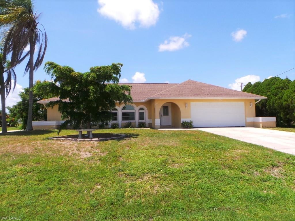 SW Florida Home for Sale - View SW FL MLS Listing #220041216 at 1402 Sw 13th Ter in CAPE CORAL, FL - 33991