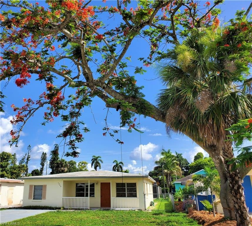 FORT MYERS Real Estate - View SW FL MLS #220041446 at 1933 Grove Ave in FORT MYERS at FORT MYERS