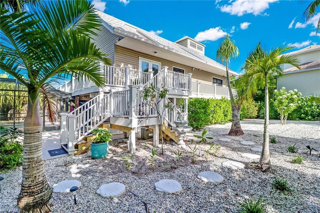 BELLE MEADE Real Estate - View SW FL MLS #220041614 at 9247 Dimmick Dr in BELLE MEADE in SANIBEL, FL - 33957