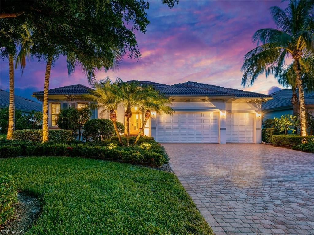 FORT MYERS Home for Sale - View SW FL MLS #220042782 in EMERSON SQUARE