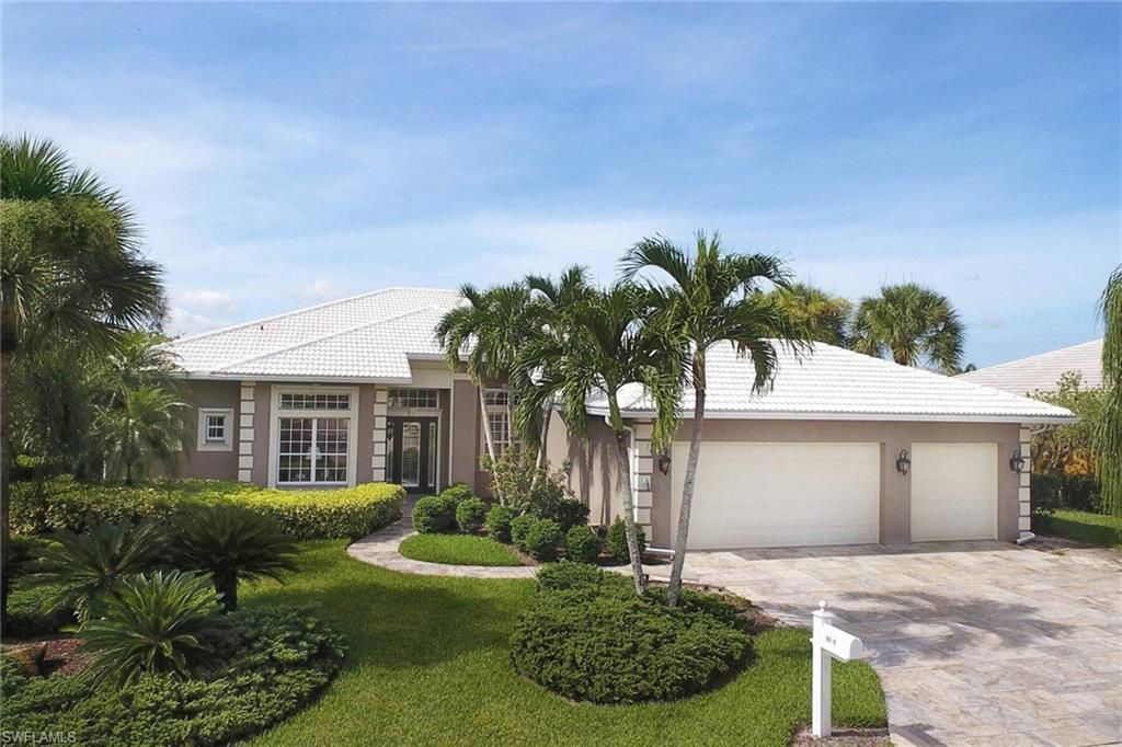 SW Florida Home for Sale - View SW FL MLS Listing #220047807 at 9320 White Hickory Ln in FORT MYERS, FL - 33912
