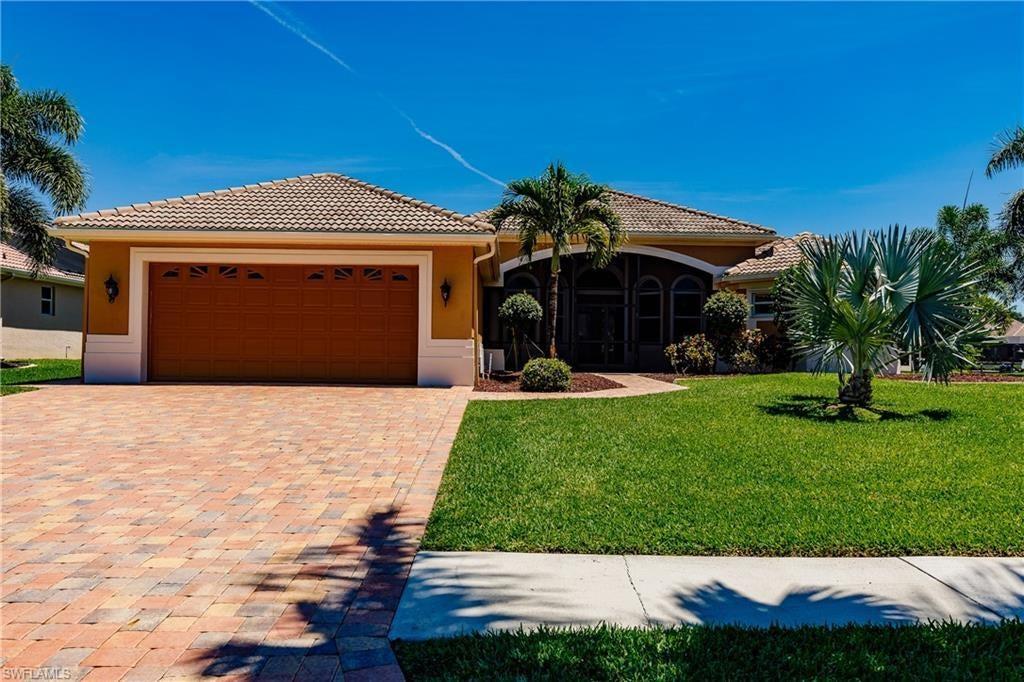 CAPE CORAL Real Estate - View SW FL MLS #220048793 at 5609 Lancelot Ln in CAPE HARBOUR at CAPE HARBOUR