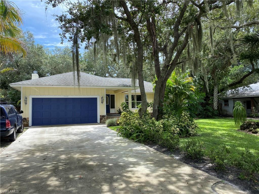ROCK HARBOR Real Estate - View SW FL MLS #220051719 at 2448 Harbor Rd in ROCK HARBOR in NAPLES, FL - 34104