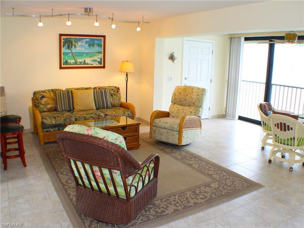 SW Florida Real Estate - View SW FL MLS #220053323 at 760 Sextant Dr 952 in MARINER POINTE CONDO in SANIBEL, FL - 33957
