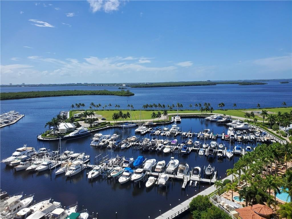 TARPON LANDINGS Home for Sale - View SW FL MLS #220054303 at 6021 Silver King Blvd 1101 in TARPON POINT MARINA in CAPE CORAL, FL - 33914