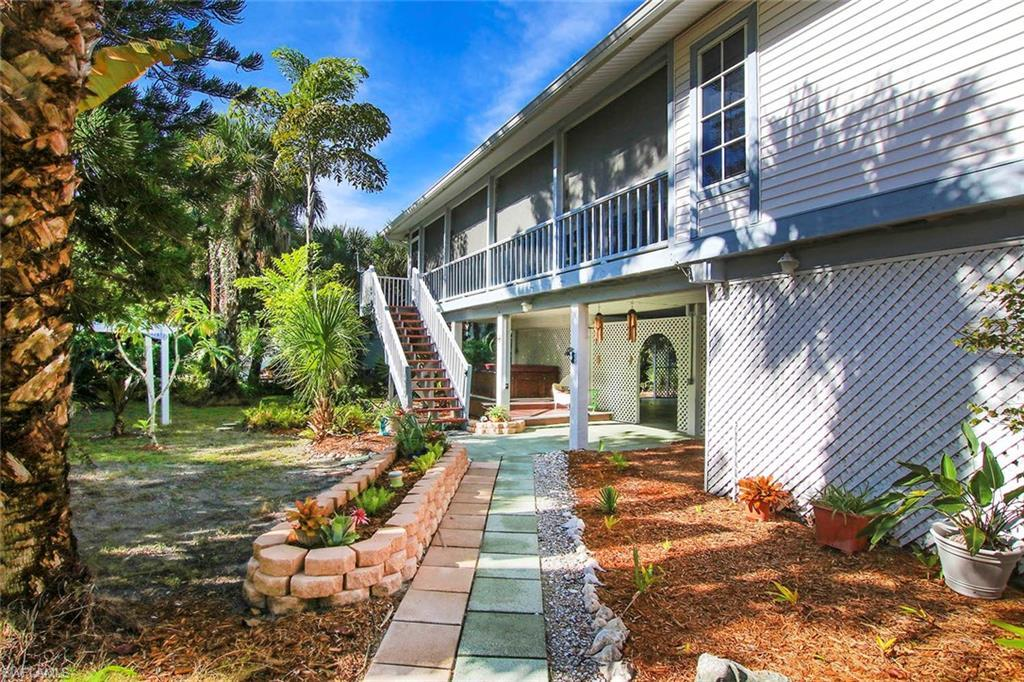 SANIBEL RIVER Home for Sale - View SW FL MLS #220055157 at 555 Rabbit Rd in SANIBEL RIVER in SANIBEL, FL - 33957