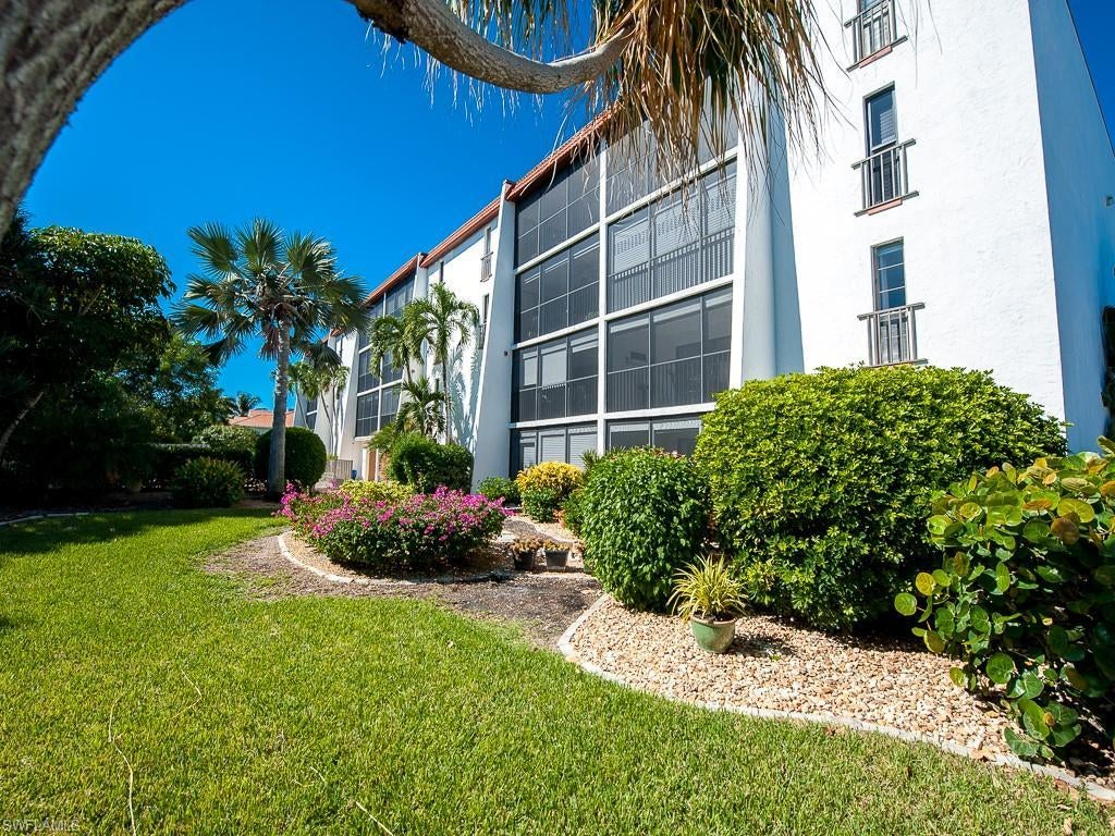 SANIBEL Real Estate - View SW FL MLS #220060091 at 1440 Middle Gulf Dr 2b in SANDPEBBLE at SANDPEBBLE