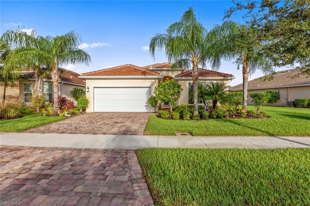 VILLAGE WALK OF BONITA SPRINGS Real Estate - View SW FL MLS #220063118 at 28048 Pisces Ln in VILLAGE WALK OF BONITA SPRINGS in BONITA SPRINGS, FL - 34135