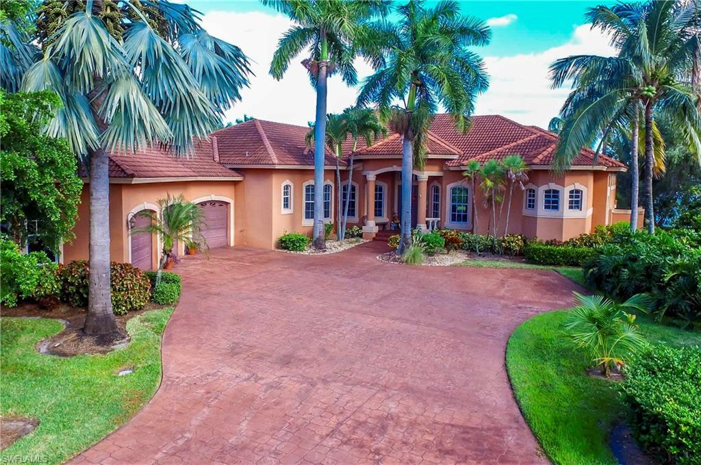 GULF HARBOUR YACHT AND COUNTRY CLUB Real Estate - View SW FL MLS #220064611 at 11451 Wellfleet Dr in EDGEWATER in FORT MYERS, FL - 33908