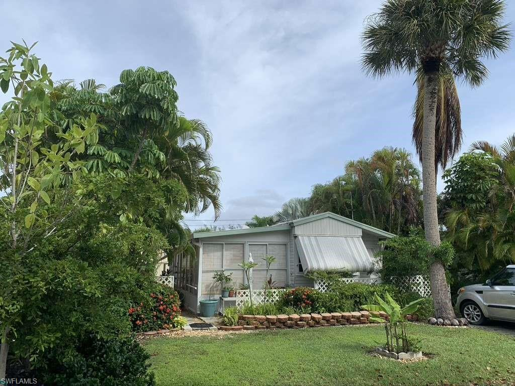 SW Florida Home for Sale - View SW FL MLS Listing #220066920 at 1119 Periwinkle Way 108 in SANIBEL, FL - 33957