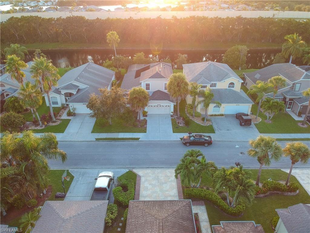 STONEYBROOK Home for Sale - View SW FL MLS #220067361 at 21576 Windham Run in STONEYBROOK in ESTERO, FL - 33928