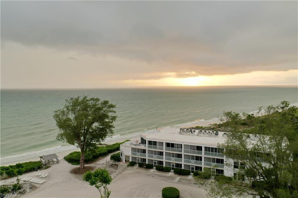 SW Florida Home for Sale - View SW FL MLS Listing #220069033 at 3111 W Gulf Dr 302 in SANIBEL, FL - 33957