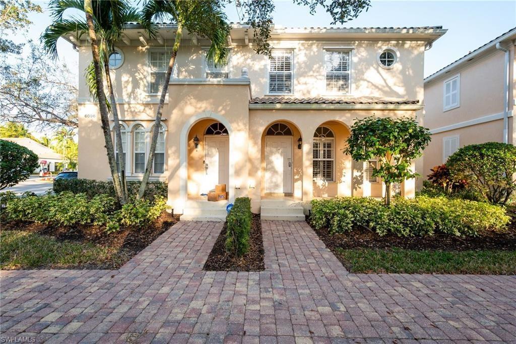 ISLAND WALK Home for Sale - View SW FL MLS #220077302 at 6092 Islandwalk Blvd in ISLAND WALK in NAPLES, FL - 34119
