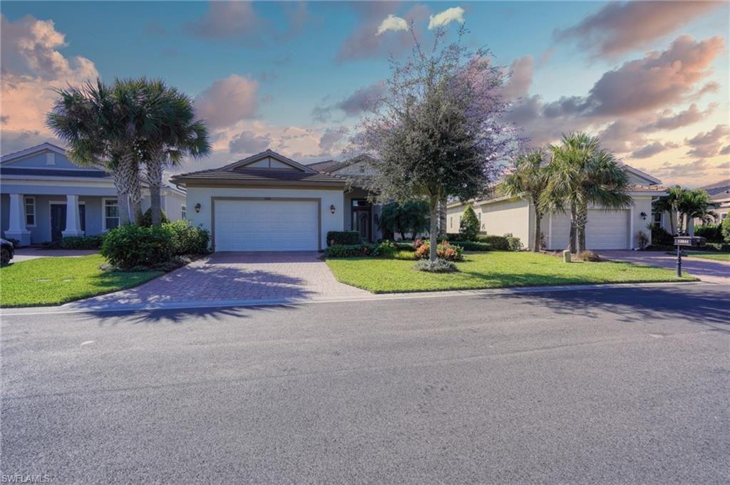 SW Florida Home for Sale - View SW FL MLS Listing #220079815 at 13841 Woodhaven Cir in FORT MYERS, FL - 33905