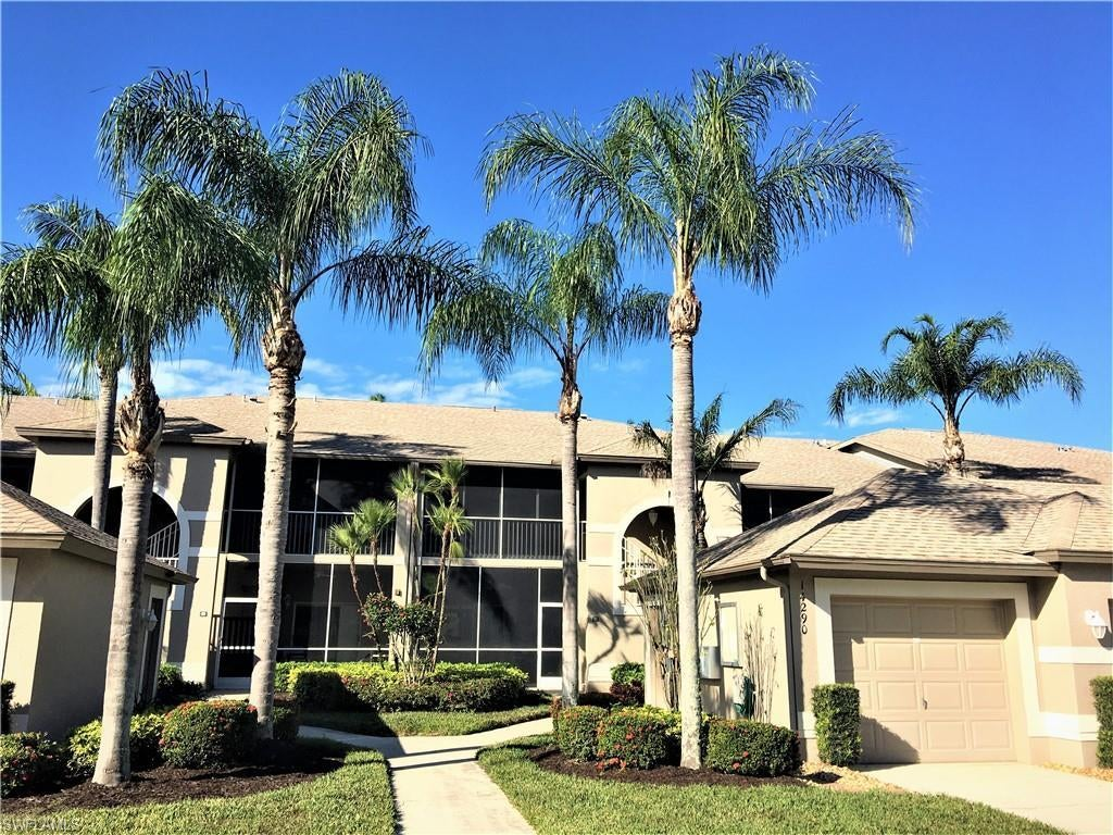 VERANDAS Home for Sale - View SW FL MLS #221000330 at 14290 Hickory Links Ct 1925 in OLDE HICKORY GOLF & COUNTRY CLUB in FORT MYERS, FL - 33912