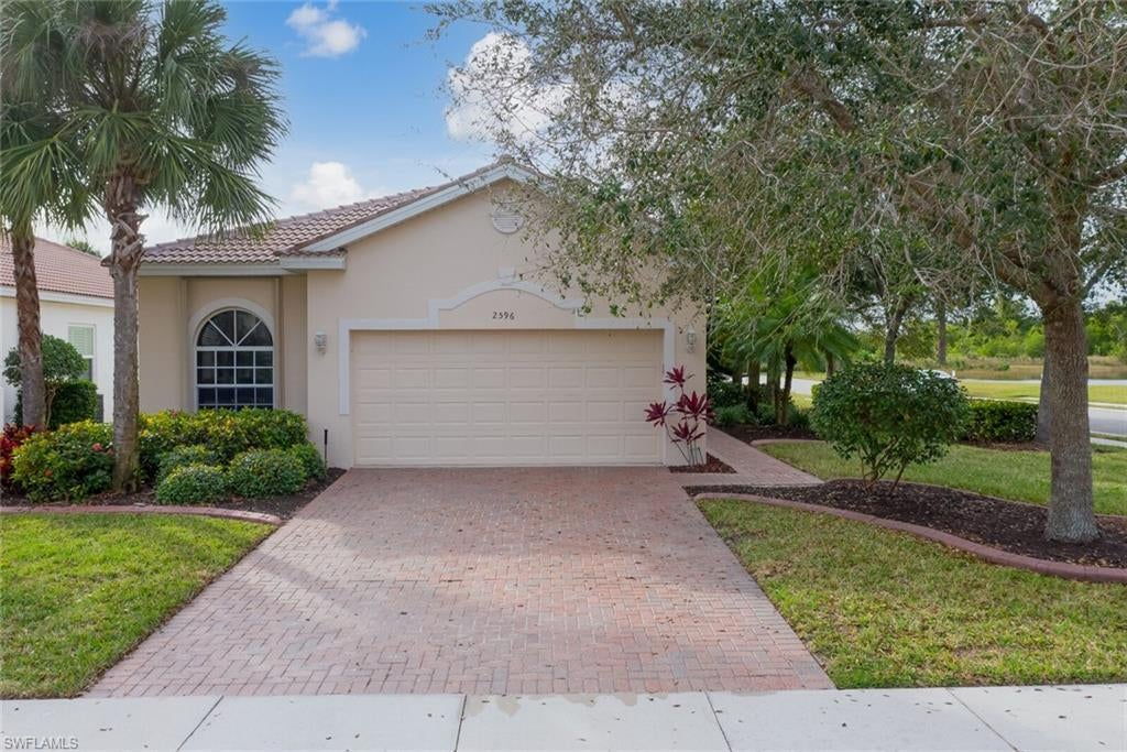 CORAL LAKES Home for Sale - View SW FL MLS #221001470 at 2596 Deerfield Lake Ct in CORAL LAKES in CAPE CORAL, FL - 33909