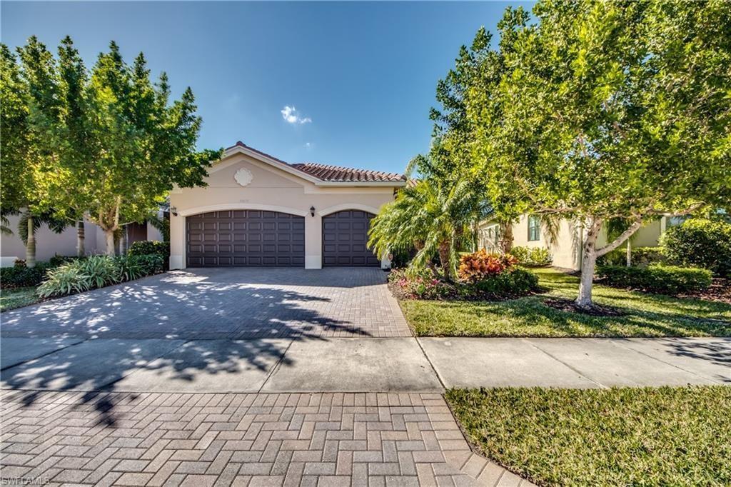 FORT MYERS Real Estate - View SW FL MLS #221005427 at 11648 Stonecreek Cir in MARINA BAY at MARINA BAY