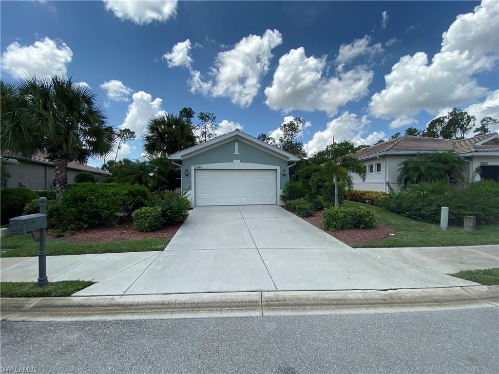 CAMARELLE Home for Sale - View SW FL MLS #221006339 at 10614 Camarelle Cir in PELICAN PRESERVE in FORT MYERS, FL - 33913