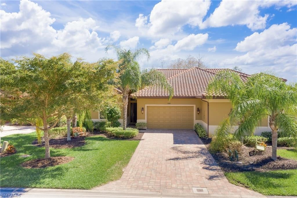 SW Florida Home for Sale - View SW FL MLS Listing #221012391 at 11101 Esteban Dr in FORT MYERS, FL - 33912
